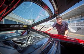 Yasuhide Sakamoto, kierownik ds. silników, opowiada o pracach nad nową Hondą NSX