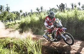 Udany początek Dakaru dla motocyklistów Monster Energy Honda Team