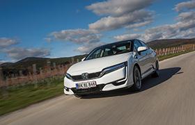 Samochody Honda Clarity Fuel Cell w charakterze bezemisyjnych środków transportu podczas COP23