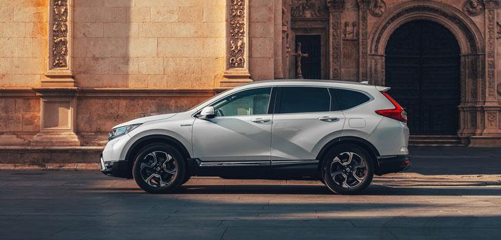 Honda potwierdza dane dotyczące wielkości zużycia paliwa i emisji spalin dla modelu CR-V Hybrid i ujawnia szczegóły ekspozycji na salonie samochodowym Paris Motor Show 2018