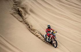 Najdłuższy odcinek Dakaru pechowy dla Hondy